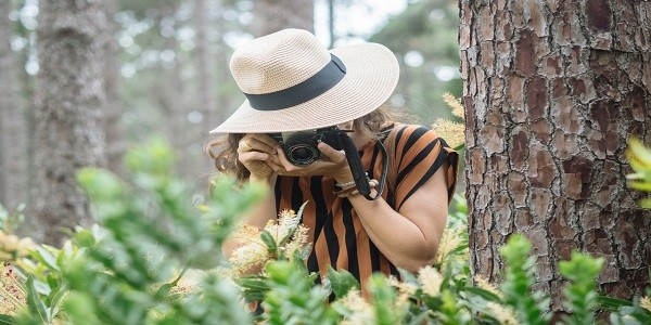 How to Choose a Sun Hat for Photographers