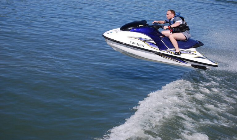 Best Life Jackets for Jet Skis
