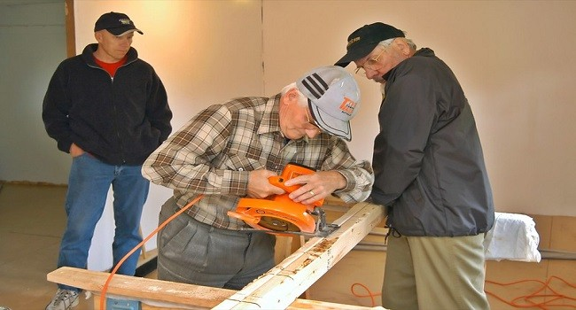 Everything Can Fall into a Carpenter's foot [Safety Tips for Carpenters]